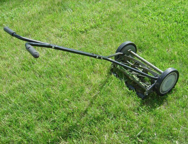 masina de tuns iarba manuala