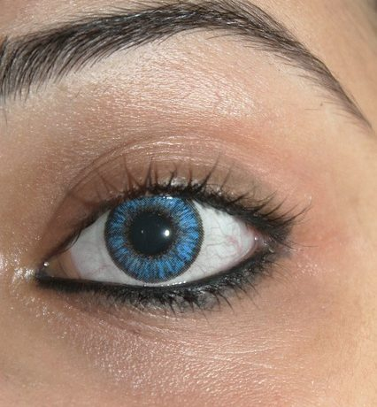 Cum procedezi atunci cand ai probleme cu indepartarea lentilelor de contact?