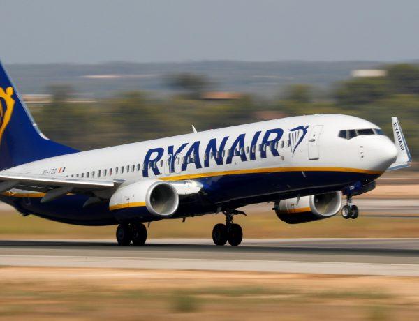 Ryanair - Pilotului i s-a spus ca avionul ar exploda daca nu ar ateriza